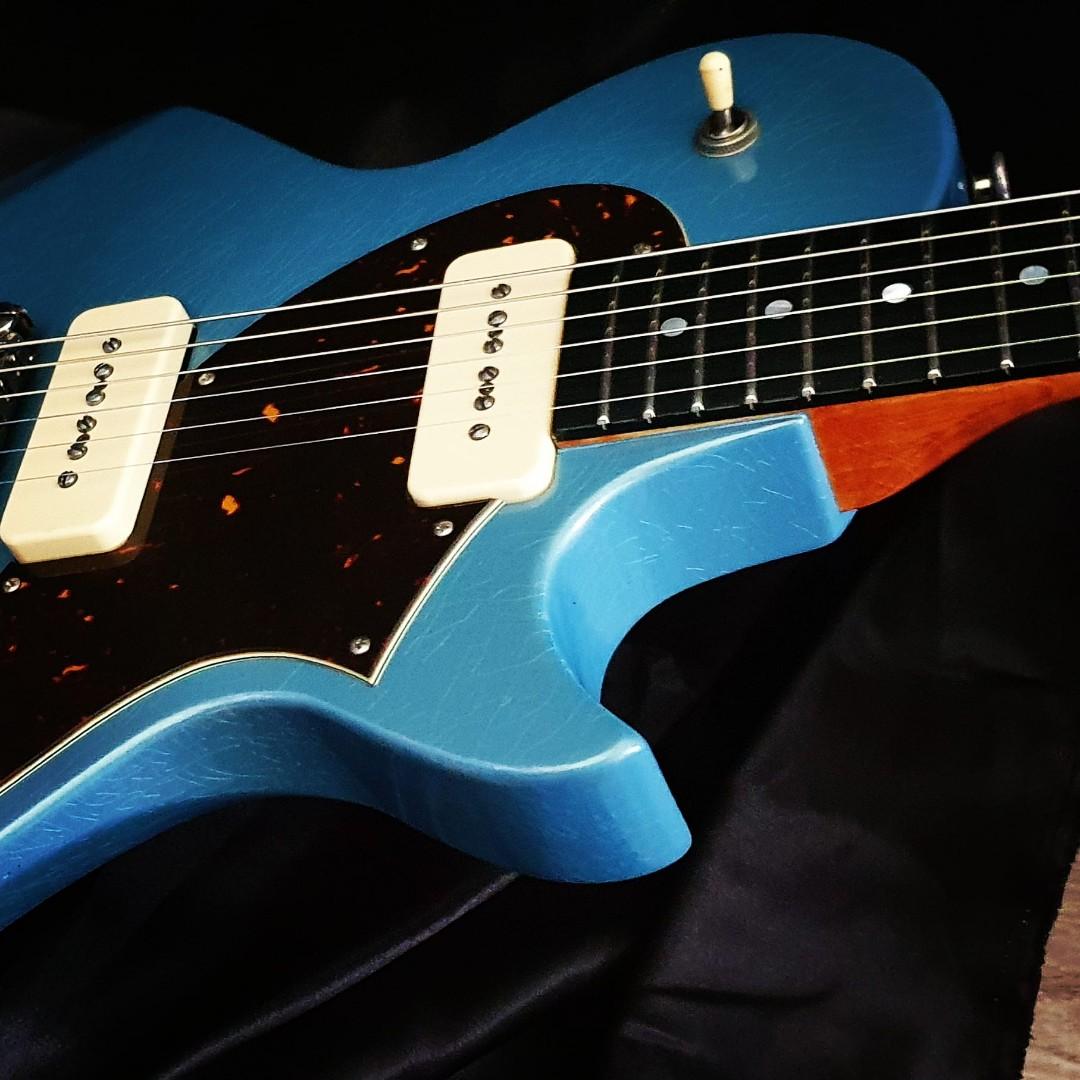 luthier lyon - fabrication guitare unique